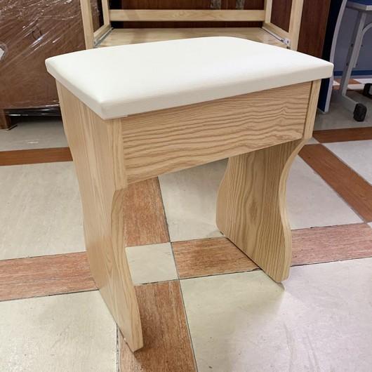 Ghế bàn trang điểm màu gỗ